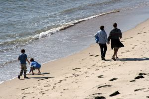 906434_family__the_beach.jpg